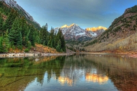 Mountians;Maroon-Bells;reflection;lake;Colorado;Aspen;orange;blue;white;west;scenic