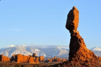 Arches-National-Park;Balanced-Rock-La-Sal-mtns;Balanced-Rock