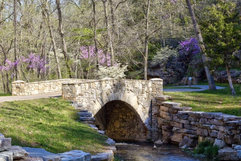 dogwood canyon;mo;missouri;water;nature;spring;creek;lampe;bridge;stone